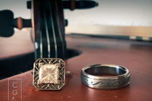 violin wedding rings